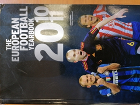 The European Football Yearbook 2010/2011