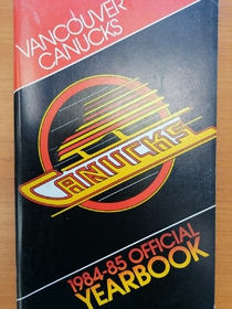 Vancouver Canucks - Yearbook 1984-1985
